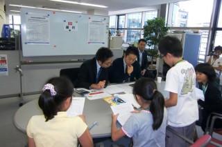 「夏休みキッズ・ビジネススクール in えどがわ」三菱東京UFJ銀行葛西支店の方に来ていただきました。融資審査も、本番さながらです。